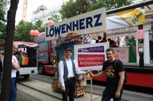 Buchhandlung Löwenherz auf der Regenbogenparade